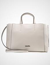 Calvin Klein METROPOLITAN Håndveske grey