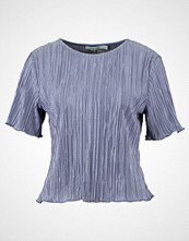 NA-KD NAKD PLEATED SHIMMERY  Tshirts med print blue
