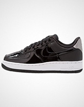 Nike Sportswear AIR FORCE 1 '07 SE PRM Joggesko black/reflect silver