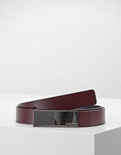 Calvin Klein CURVED PLAQUE BELT Belte red