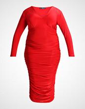 Missguided Plus SLINKY PLUNGE GATHERED SIDE DRESS Fotsid kjole red