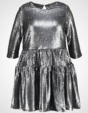 Lost Ink Plus SMOCK DRESS  Cocktailkjole silver