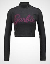 Missguided HOTFIX BARBIE LOGO HIGH NECK CROP  Tshirts med print grey