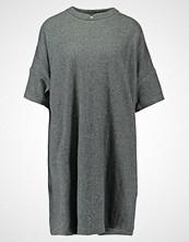 And Less VINSTRA Strikket kjole grey melange