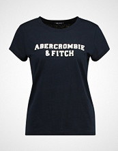 Abercrombie & Fitch SEASONAL LOGO TEE Tshirts med print navy
