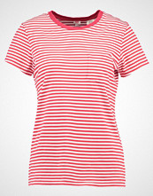 Levi's THE PERFECT POCKET TEE Tshirts med print rot/weiß