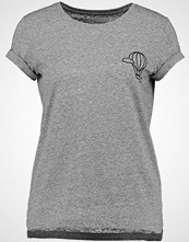 TWINTIP EMBROIDERED NEPPY TEE WITH TURN UP Tshirts med print mid grey melange