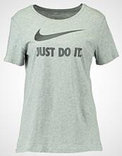 Nike Sportswear Tshirts med print grey