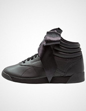 Reebok Classics FREESTYLE HI SATIN BOW Høye joggesko black/skull grey