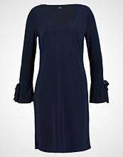 Wallis EYELET FLARE SLEEVE Jerseykjole ink