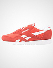 Reebok Classics CL NYLON NEUTRALS Joggesko clay tint/white