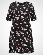 Glamorous Curve PRINTED FIT AND FLARE DRESS Sommerkjole black watercolour