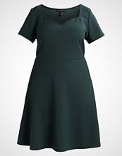 New Look Curves TEXTURE DRESS Jerseykjole dark green