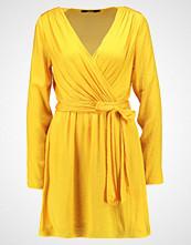 Bik Bok SHIRLEY Sommerkjole golden yellow