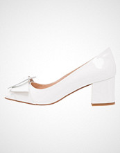 Helia Klassiske pumps white