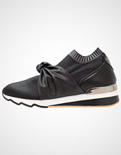 Sixtyseven Slippers black