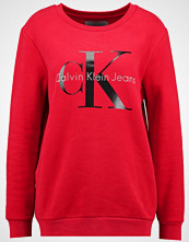 Calvin Klein CREW NECK TRUE ICON  Genser tango red