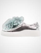 Steve Madden BREEZE Slippers silver