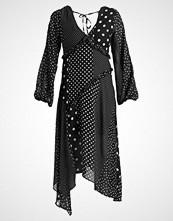 Miss Selfridge MIXED SPOT MIDI DRESS Fotsid kjole black