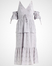Lost Ink EMBROIDERED PUFF SLEEVE DRESS Sommerkjole light grey