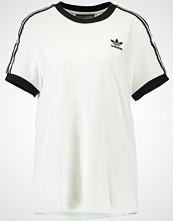 Adidas Originals ADICOLOR THREE STRIPES TEE Tshirts med print white