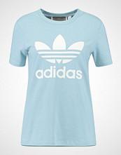 Adidas Originals ADICOLOR TREFOIL TEE Tshirts med print light blue