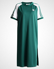 Adidas Originals RAGLAN DRESS Jerseykjole collegiate green