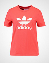 Adidas Originals ADICOLOR TREFOIL TEE Tshirts med print trace scarlet