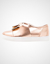 Lost Ink SIENNA METAL TIP BOW PLIMSOLL Slippers rose gold