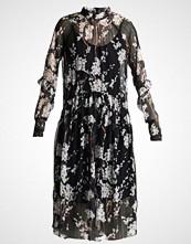 Yas YASHAMILLA DRESS Sommerkjole black