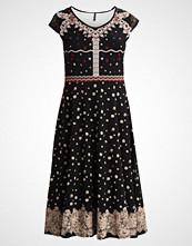 SMASH MAREA Fotsid kjole black