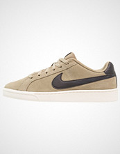 Nike Sportswear COURT ROYALE SUEDE Joggesko neutral olive/black/sail