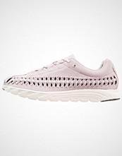 Nike Sportswear MAYFLY WOVEN Joggesko particle rose/vast grey/sail/black