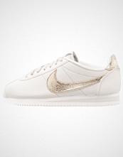 Nike Sportswear CLASSIC CORTEZ PRM Joggesko light bone/bronzed olive/summit white
