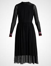 Yas YASNAJA DRESS Sommerkjole black