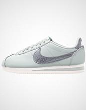 Nike Sportswear CLASSIC CORTEZ PRM Joggesko light pumice/metallic cool grey