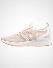 Nike Sportswear AIR ZOOM MARIAH FK RACER Joggesko sail/white/sand/yellow