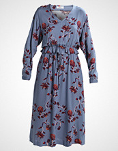 Moss Copenhagen WAKE DRESS Sommerkjole blue