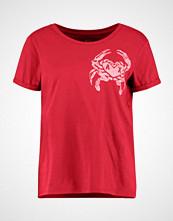 Armani Exchange Tshirts med print bright cranberry