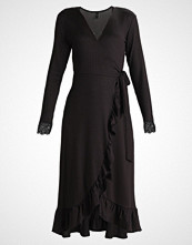 Yas YASBLACE WRAP DRESS Strikket kjole black