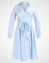 mint&berry Sommerkjole cashmere blue