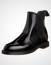 Dr. Martens FLORA Støvletter black polished smooth