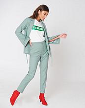 NA-KD Classic High Waist Suit Pants grön