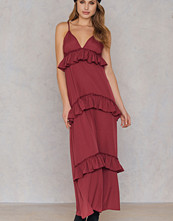 Boohoo Ruffle Strap Maxi Dress röd
