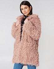 NA-KD Trend Faux Fur Coat rosa