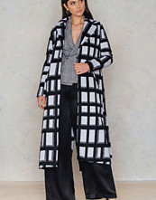 NA-KD Checked Coat svart multicolor
