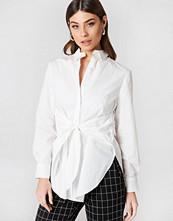 NA-KD Classic Tie Waist Long Shirt vit