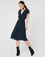 Twist & Tango Tea Dress