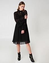 Gestuz Baxtor Dress - Midiklänningar