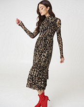 NA-KD Trend Leo Mesh Frill Dress - Midiklänningar